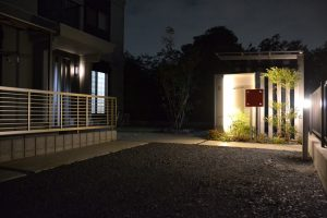 メタル&シンプルな家