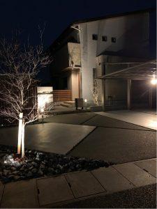 300×600タイル門柱の家